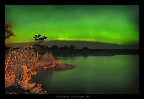 Auroral Arc Over Quebec Bay by tfavretto