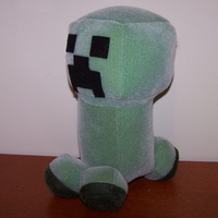 Minecraft Creeper Plush by obesolete