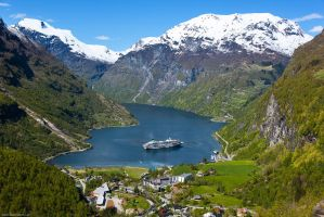 Geiranger Ship by Dave-Derbis