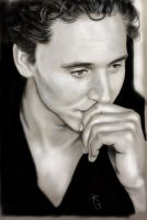 Tom Hiddleston 3 by zomberflie