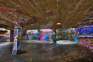 London Graffiti - Exclusive HDR by somadjinn