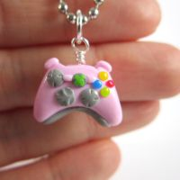 Pink Xbox 360 controller by TrenoNights