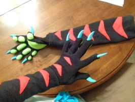 Dragon Paw Arm warmers! (second picture!) by AmericanBlackSerpent