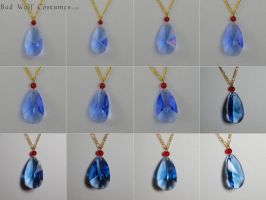 Howl Necklace - Howl's Moving Castle by Manwariel