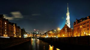 Hamburg Night Wallpaper by cheyrek