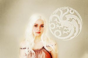 Daenerys Stormborn by starparticles