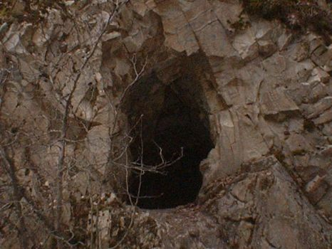 Mouth of a cave by lianica