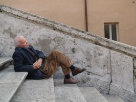a snooze on the spanish steps by treehugginhippie
