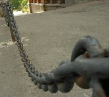 Chain 1 by macro-photo