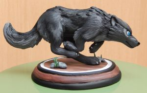 Running wolf sculpture by AnimeLionessMika