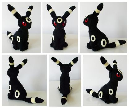 I Are Umbreon, Look'a Me Sit. by SarityCreations