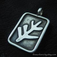 Silver Elder Sign pendant by Sulislaw