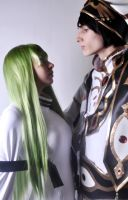 Cosplay Lelouch y CC by CosplayCami