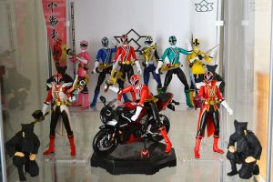 S.H.Figuarts Collection - Shinkengers (Old Shelf) by ZaEmpera