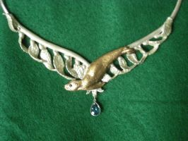 Sealion and kelp necklace by The-EvIl-Plankton