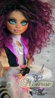 ~Monroe~ Monster High Howleen by RogueLively