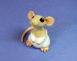 Scoodles the Dumbo Rat by DragonsAndBeasties