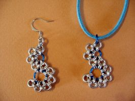 Stepping stone pendant and earring(s) by Tannalein