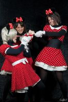 Minnies vs Mickey by Biseuse