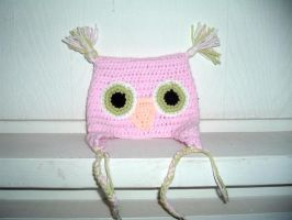 Owl hat in pink by Nanettew9