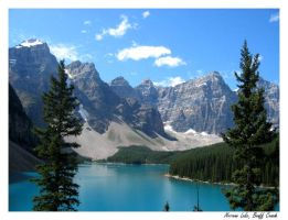 Moraine Lake, Banff Canada by lykesorad