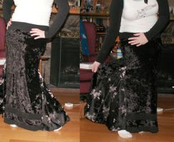 Velvet skirt with panels by Duitauriel
