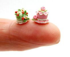 TINY CAKES STRAWBERRY AND ROSE by WEE-OOAK-MINIATURES