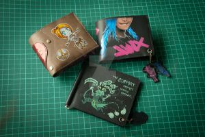 A bundle of wallets by eiphen
