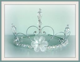 shaped flower crystal tiara by tindink