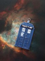 The Doctor's TARDIS by candymonsters
