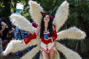 ahri league of legends cosplay by lucyrose3