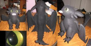 Toothless Situp Plush by Monoyasha