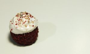 Red velvet cupcake charm by Guvy