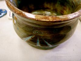 Rune inscribed clay pot by Bardagh
