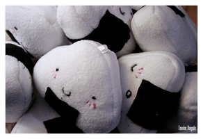 +__ Onigiri plushies by Macabreskiss