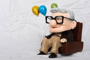 Carl Fredricksen Munny by IncredibleCreature