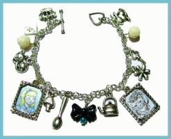 alice in wonderland charm pic by allys-Jewellery