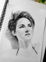 Shailene Woodley by kjviray