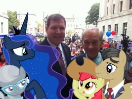Ron Paul And More Of His Supporters by RicRobinCagnaan