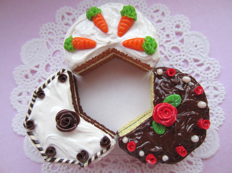 Cake Triforce by Shacchan