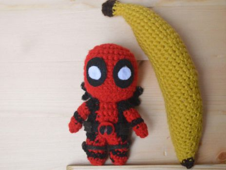 I made a little crochet Deadpool! by Tessa4244