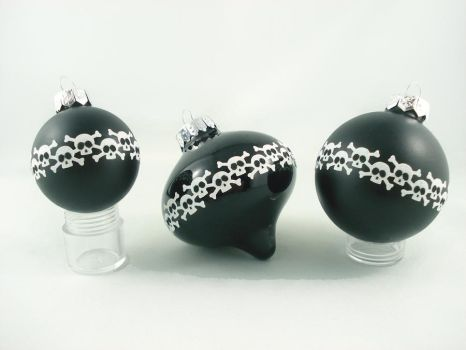 Skully Bomb Glass Ornaments 2012 by angelyques