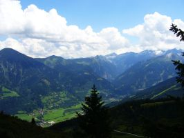 Austrian Valley by abbews
