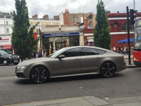 RS7 side by Car-lover33