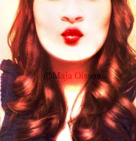This is my kissing face by Maionara