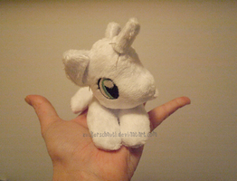 Itsy bitsy tiny Pony Plush by zuckerschnuti