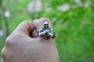 Assassin's Creed Ring   Ezio Auditore ring by WearTheRare