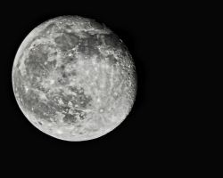 Moon at 500mm by fileboy