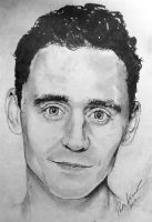 Tom Hiddleston by Pirata1987