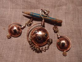 Steampunk pendant with earrings by ChanceZero